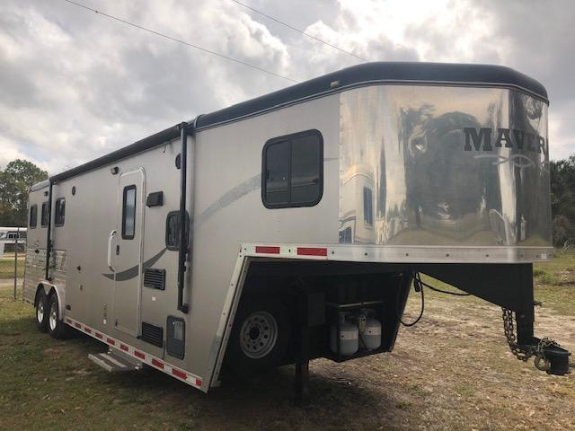 2013 Maverick 8' wide 3 horse w/9' lq and slide Horse Trailer