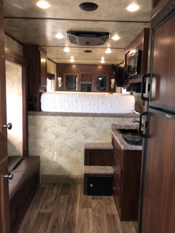2017 Exiss Trailers 4 horse w/10' lq and slide Horse Trailer