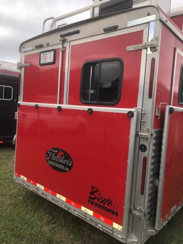 2018 Bison Trailers Premier 8' wide 3 horse w/17'lq Horse Trailer