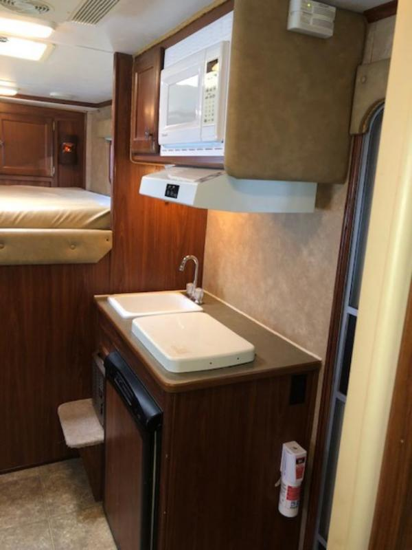 2006 Exiss Trailers 3 horse w/7'lq and slide Horse Trailer