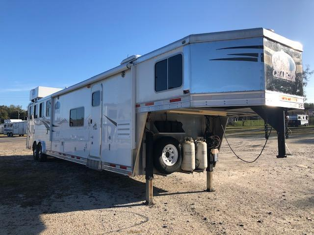 2010 Lakota 8' wide 4 horse w/15'lq and gen Horse Trailer