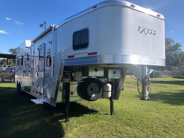 2012 Exiss Trailers 8' wide 3+1 w/ 12' lq & gen. Horse Trailer