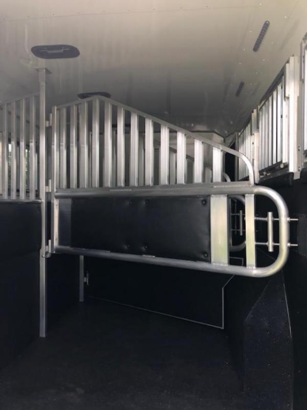 2020 Merhow Trailers 8' wide 3 horse w/14' lq slide & side ramp Horse Trailer