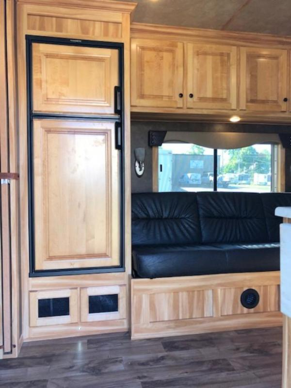 2020 Exiss Trailers 8' wide 3 horse w/10'lq Horse Trailer