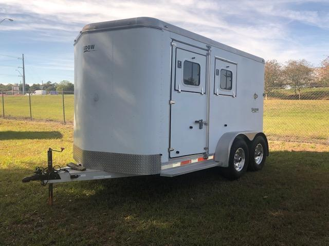 2006 Shadow Trailers 2 horse slant with dressing room Horse Trailer