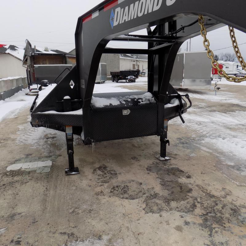 "New Diamond C Trailers 102"" x 25' Gooseneck Equipment Trailer With Max Ramps - 25K Weight Rating"