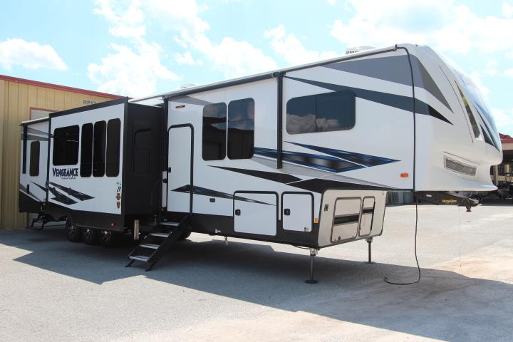 2019 Forest River, Inc Vengeance 381L