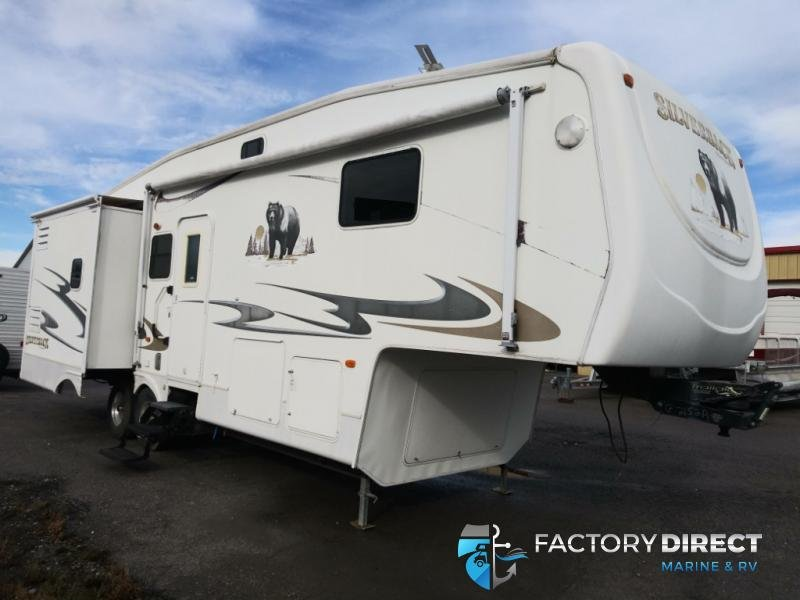 2008 Forest River Silverback 30LSTS