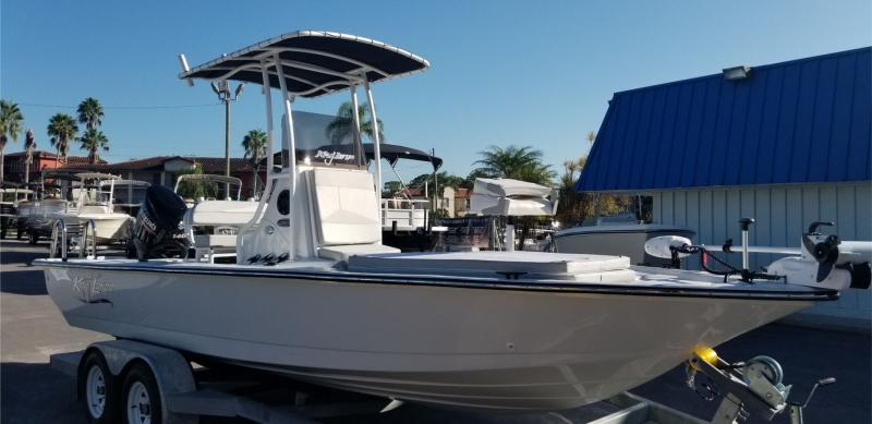 2018 Key Largo 220 BAY