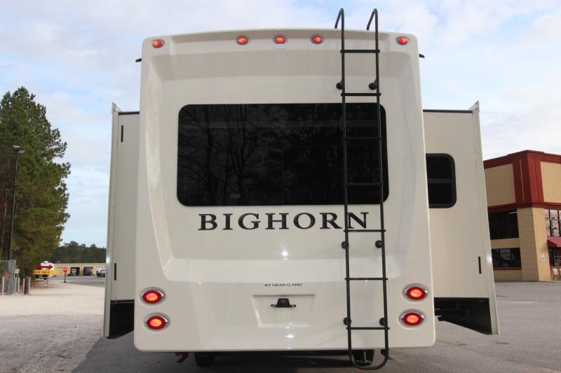 2018  Big Horn 3270RS