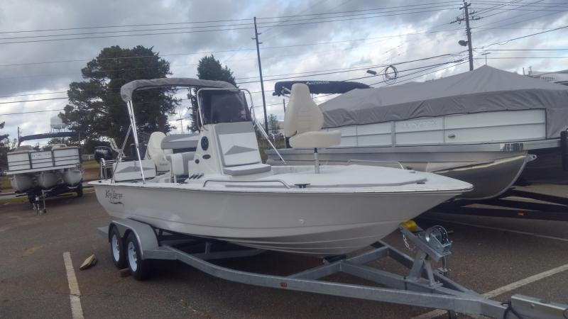 2019 Caravelle Boat Group Key Largo 220 BAY