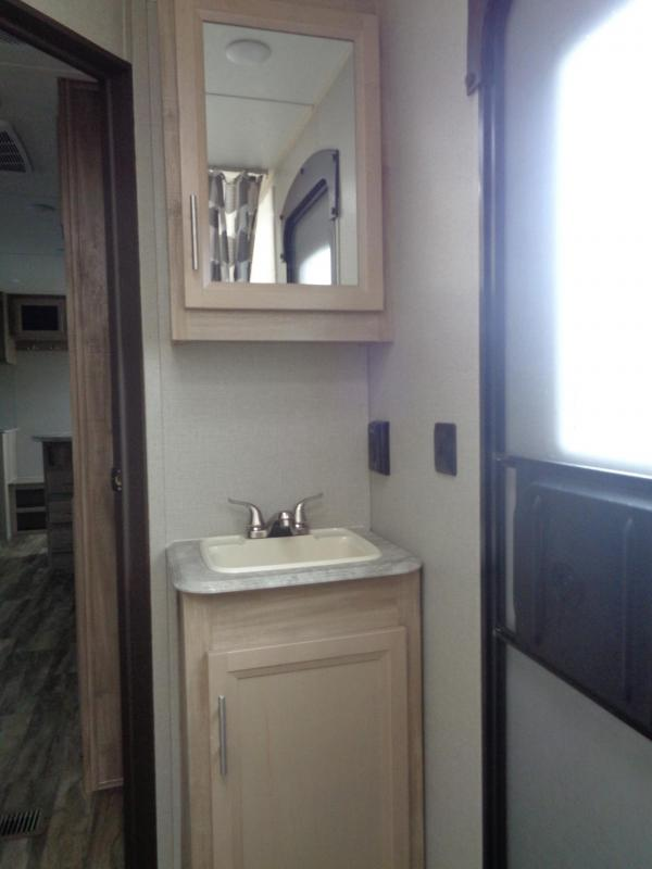 2020 Coachmen By Forest River Catalina 283DDSCK
