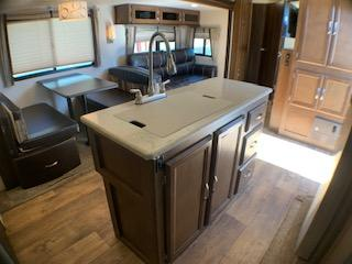 2017 Wildwood Heritage Glen 300BH