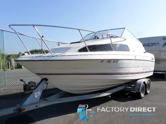 1993  Bayliner 2252 CUDDY