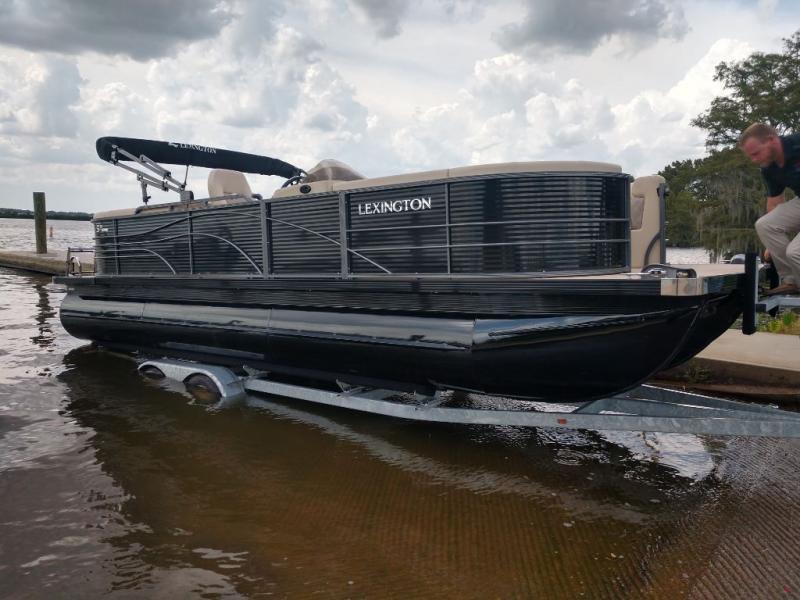 2020  Lexington 524R