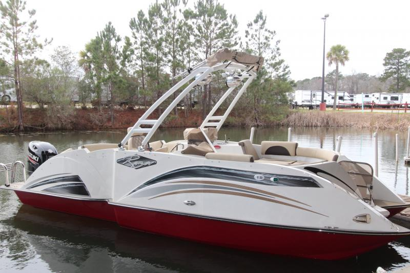 2019 Caravelle Boat Group Razor 219UU ETOON