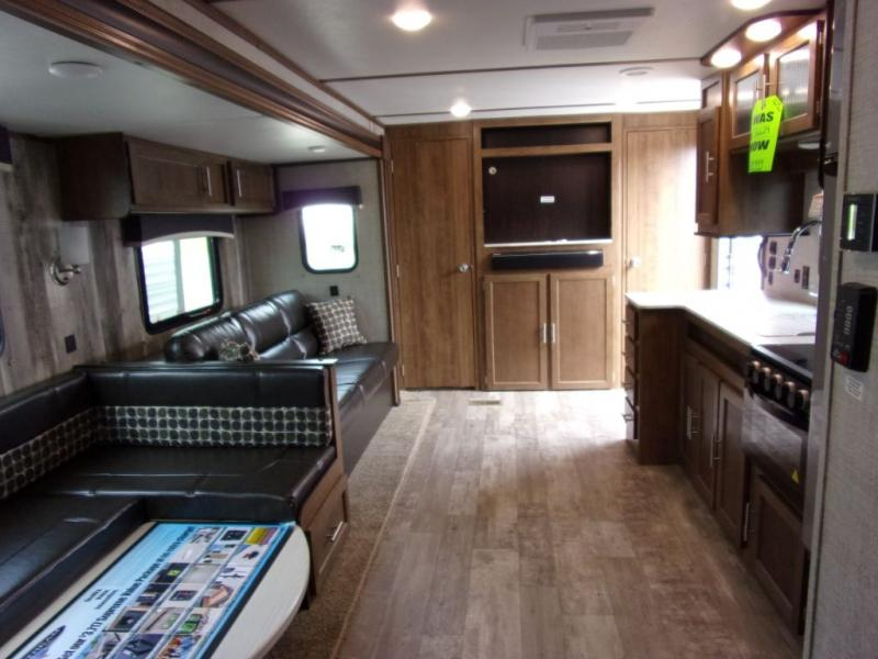 2020 Gulf Stream Coach Conquest 323TBR