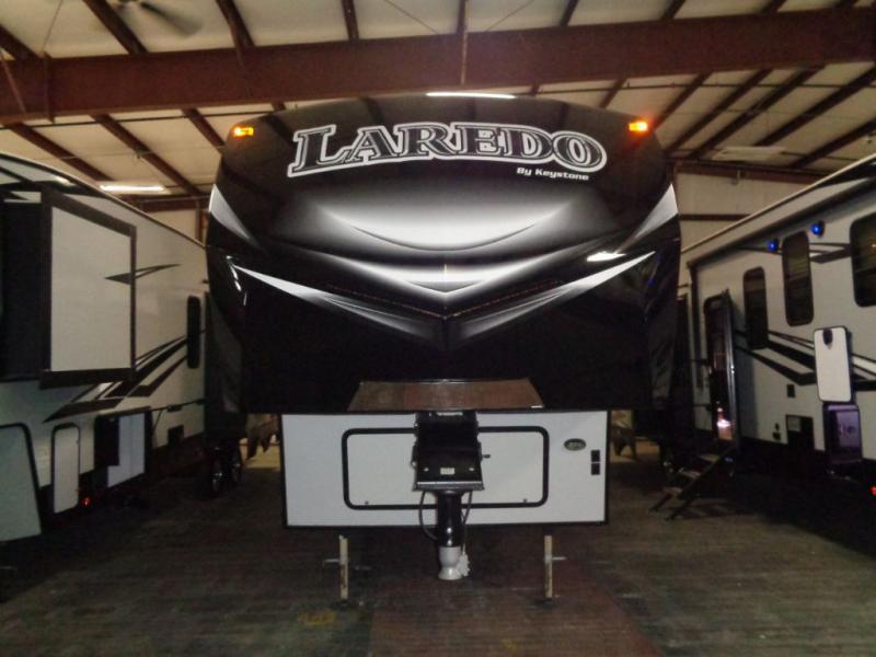 2017  Laredro 297SRE