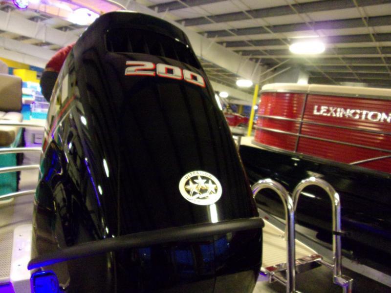 2019 Caravelle Boat Group Razor 259 UR ETOON