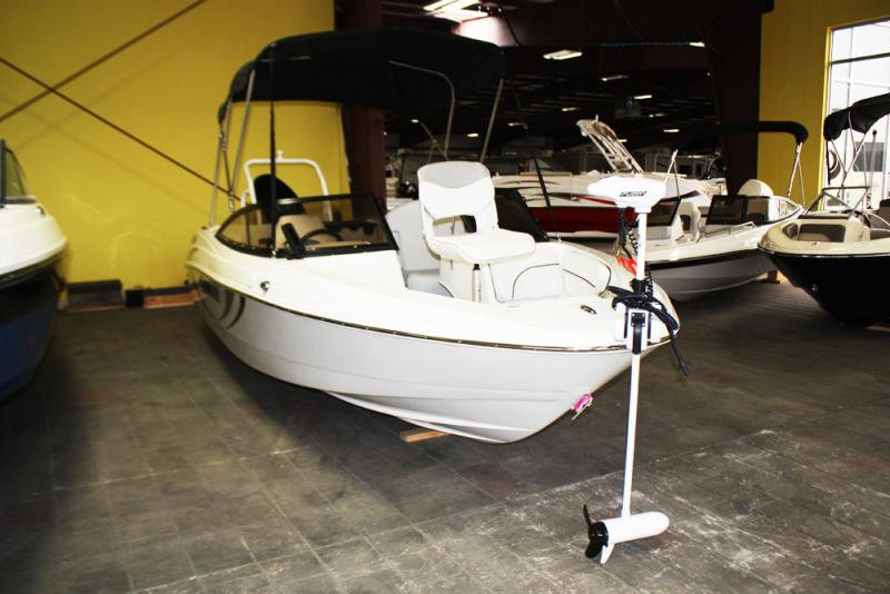 2018 Caravelle Boat Group Caravelle BOWRIDER