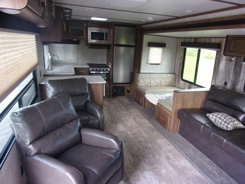 2020 Gulf Stream Coach Conquest 295SBW