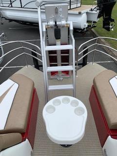 2019 Caravelle Boat Group Razor 258PF ETOON