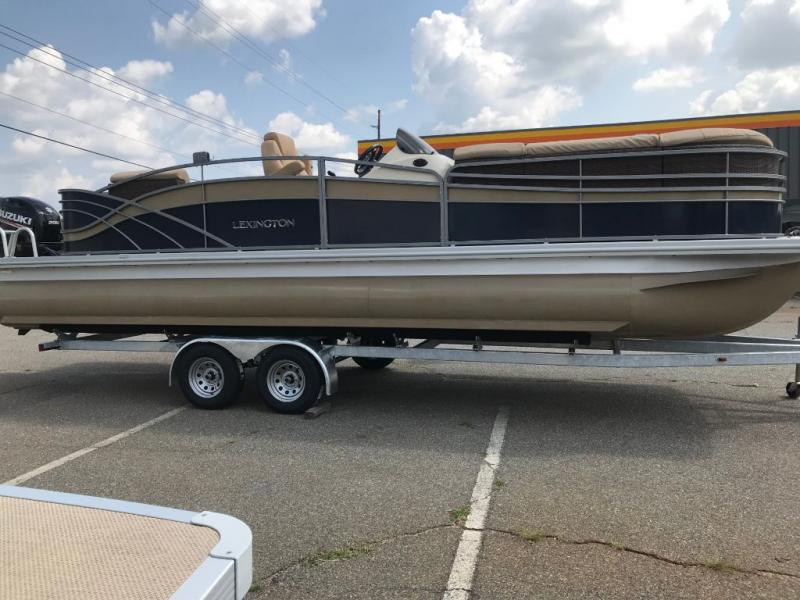 2018 Lexington Marine Group Lexington 725