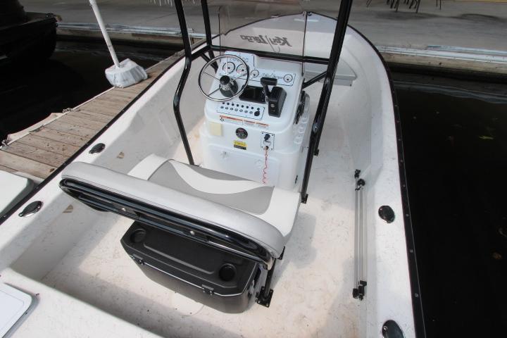 2018 Caravelle Boat Group Key Largo 180 CC
