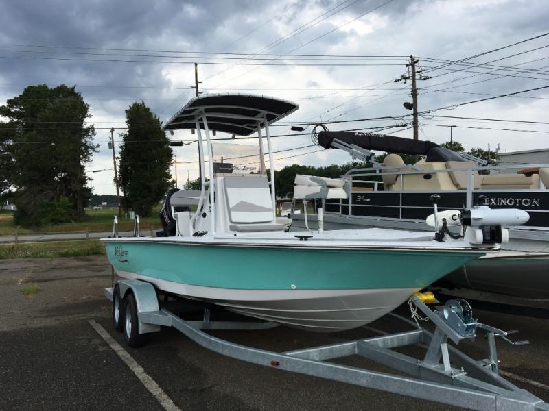 2018 Caravelle Boat Group Key Largo 220 Bay Factory