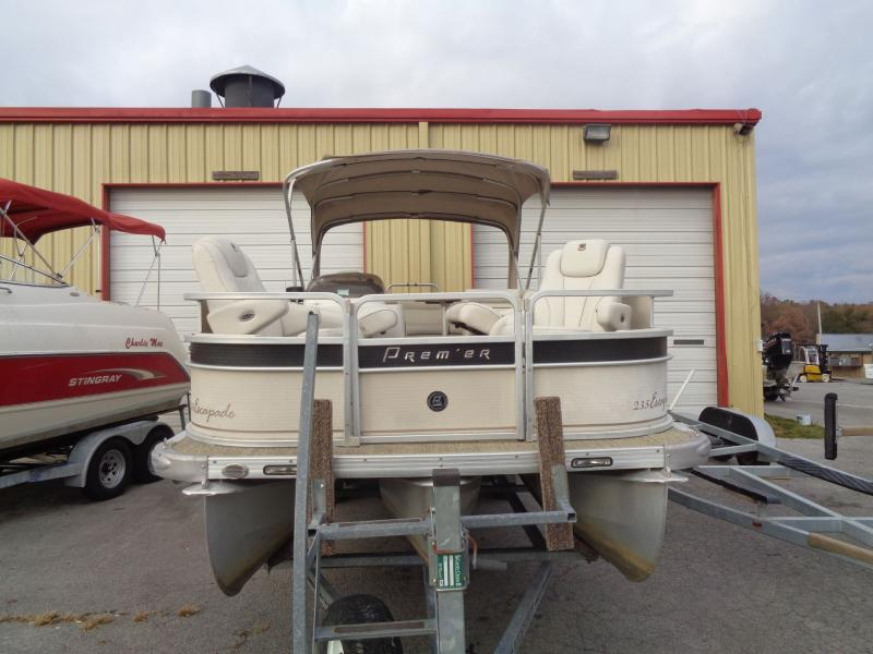 2005  Premier Escapade 235TF