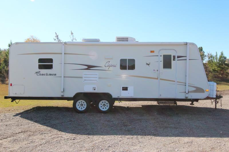 2006  Coachmen CAPRI 271 DS