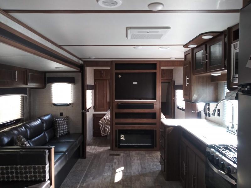 2019 Gulf Stream Coach Conquest 323TBR