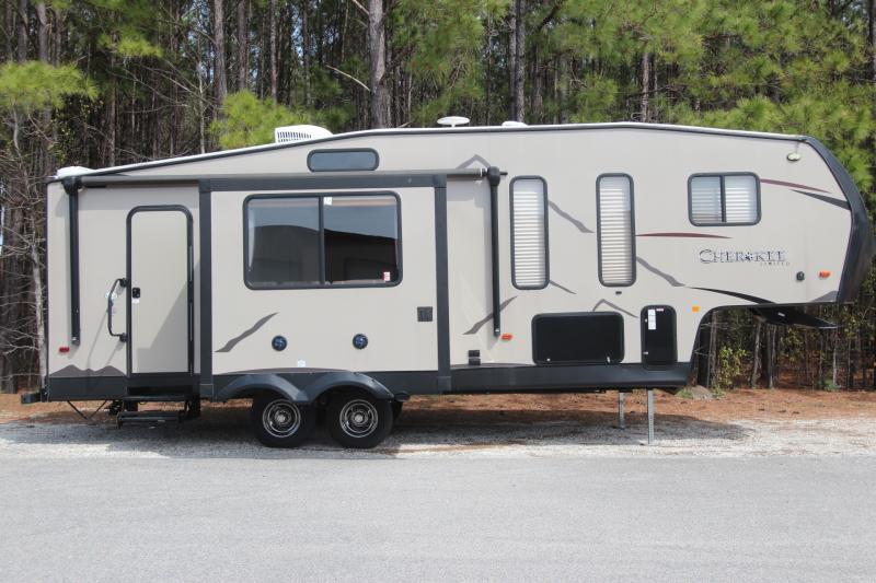 2018  Cherokee 255P