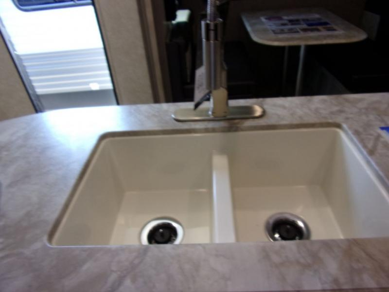 2020 Coachmen By Forest River Catalina 333BHTS