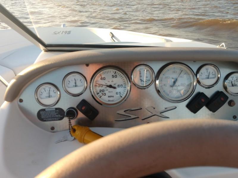 2004  Glastron sx195rv