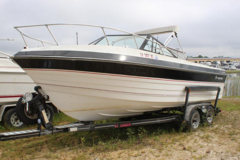 1986 Thompson Boat Co Thompson Cuddy 27