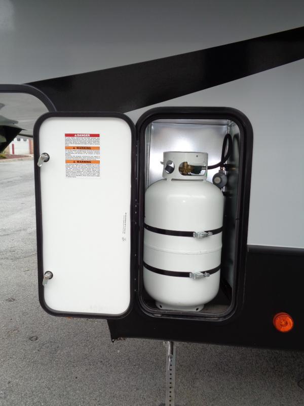 2019 Dutchmen Manufacturing Aerolite 2513RLF