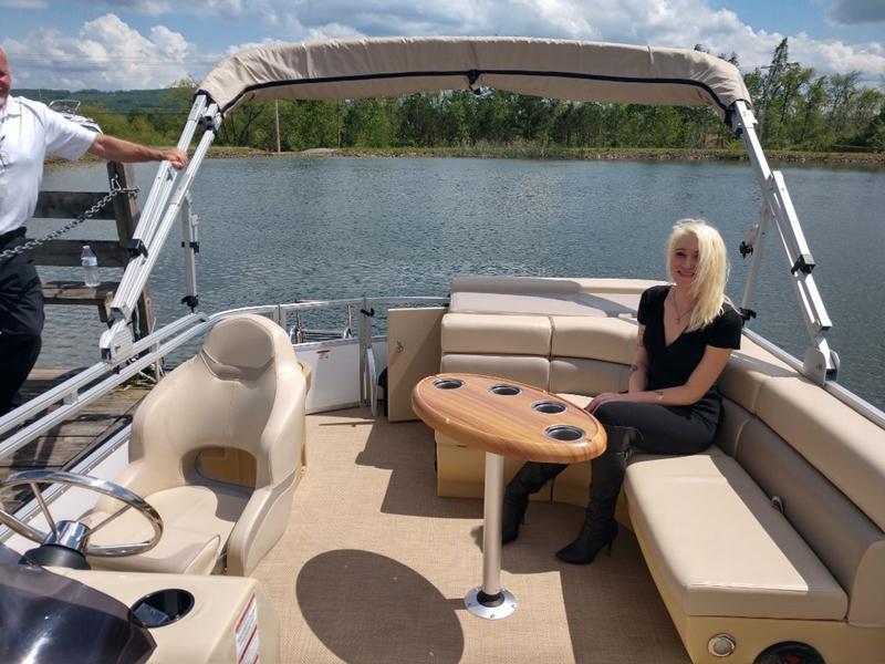 2020 Lexington Marine Group Lexington 319 CRUISE