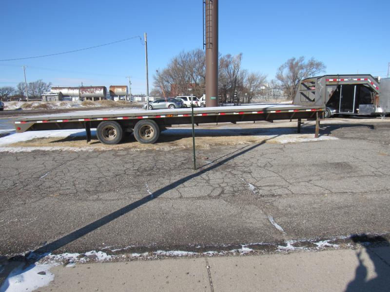 2008 PJ Trailers 30' Classic Flatdeck with Duals (FD) Flatbed Trailer