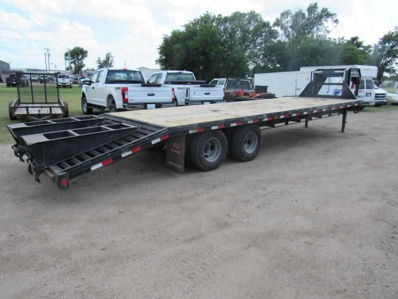 2018 PJ Trailers Classic Flatdeck with Duals Flatbed Trailer