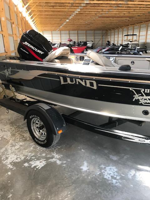 2000 Lund PRO V 1775 Fishing Boat