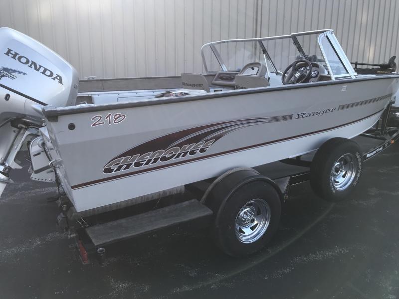 2001 Ranger CHEROKEE 218W  Boat