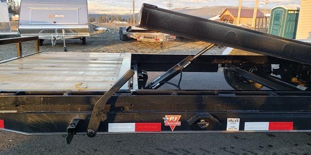 2020 PJ Trailers T5202 TILT Deck Equipment Trailer