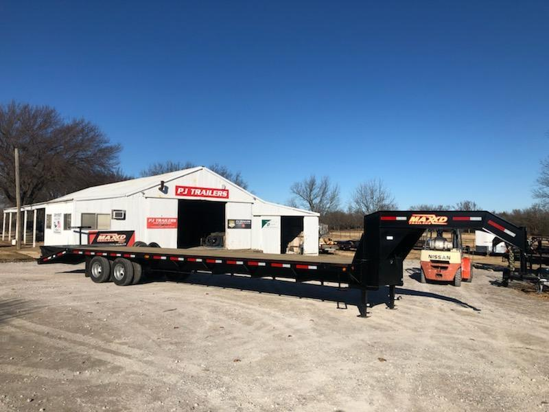 "NEW MAXXD 36' X 102"" TANDEM DUAL FLATBED WITH MAXXD-OUT RAMPS"