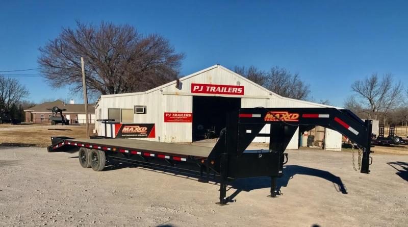 NEW MAXXD 30' SINGLE WHEEL FLATBED WITH DOVETAIL AND FLIPOVER RAMPS