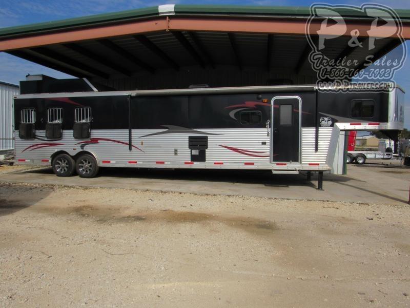 2013 Bison Trailers Traveler 3 Horse Slant Load Trailer 17 FT LQ With Slides w/ Ramps