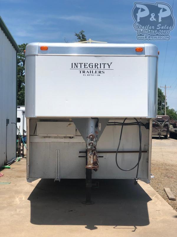2004 Integrity Trailers 8408LQ 4 Horse Slant Load Trailer 0 FT LQ