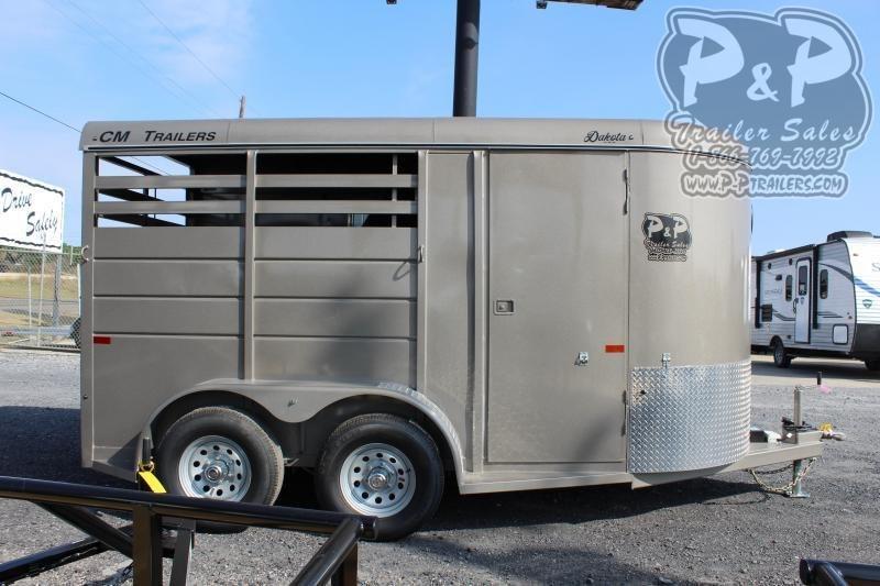 2020 CM CMH0832-1400235 2 Horse Slant Load Trailer