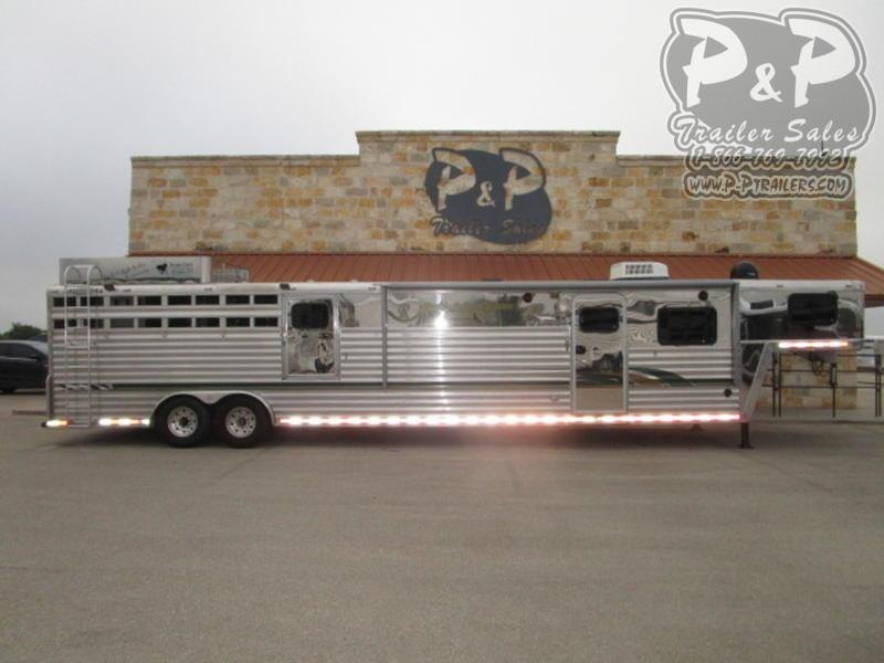 2000 Bloomer 5H 13 FT 5 Horse Trailer 13 LQ Slant