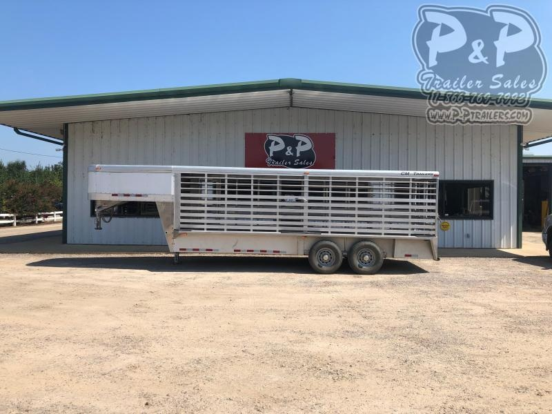 2015 CM CMSTK20 20 ft Livestock Trailer